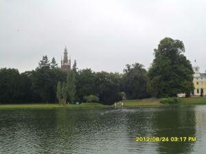 Blick auf Kirche und Schloss Wörlitz